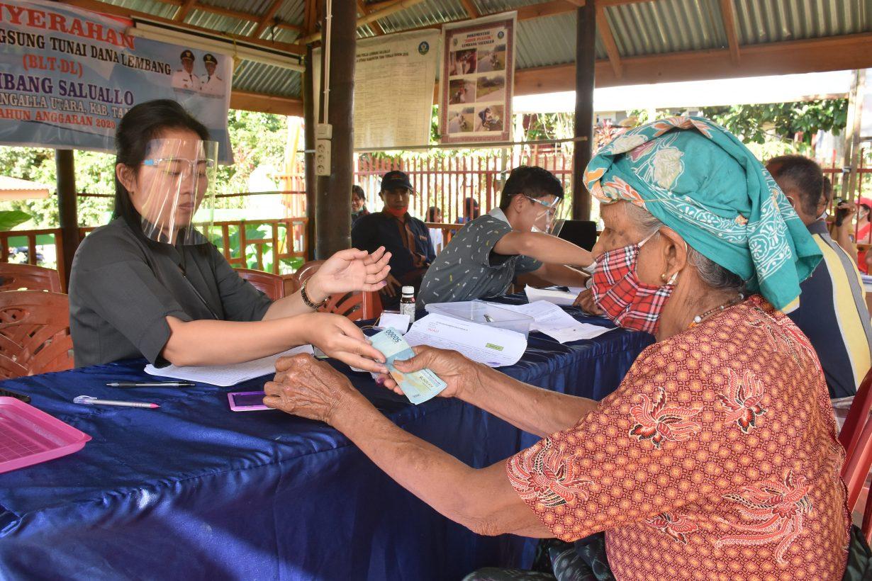 Penyaluran BLT Dana Desa Tahap III Lembang Saluallo ...